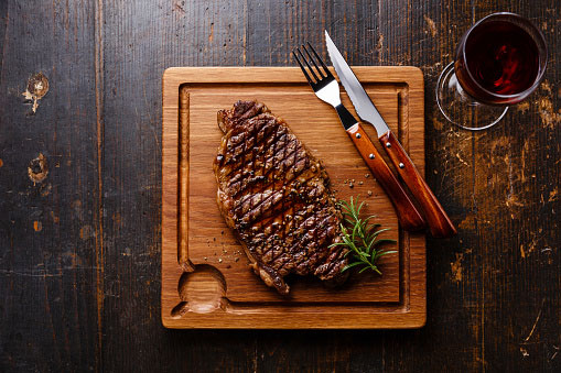 What Should You Know About Pairing a Red Wine with the Perfect Steak?