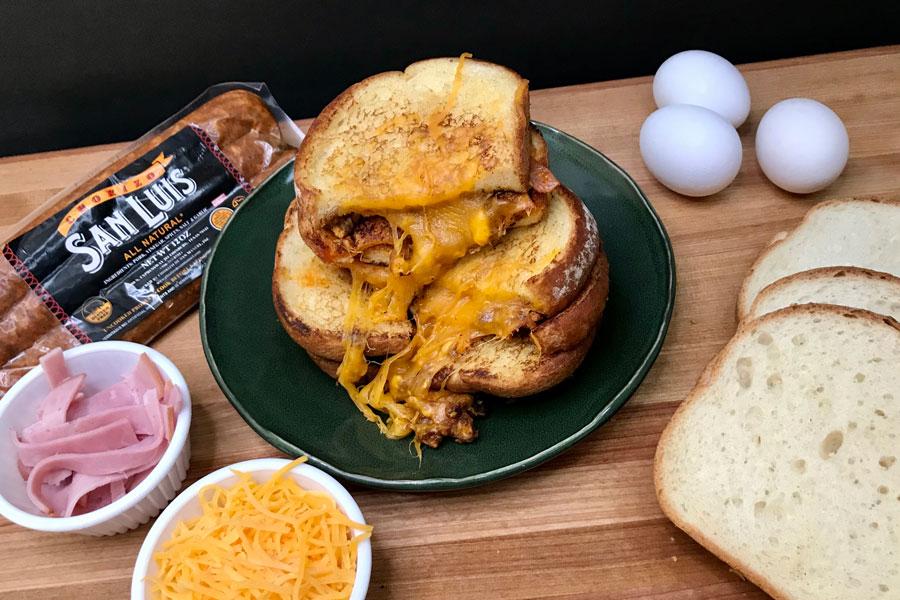 A Delicious and Easy Recipe for Amazing Chorizo Breakfast Sandwiches!