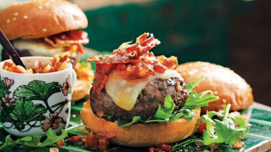 Rich in Flavor and Fullness, Try These Chorizo Burgers for Dinner!